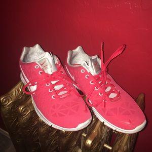 Nike Shoes - Nike Free - Size 9 ❤️